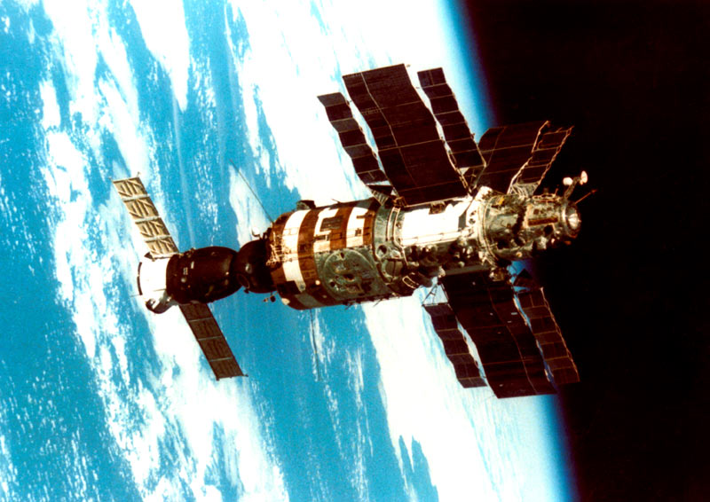 фото 15 - орбитальная станция Салют-7.jpg