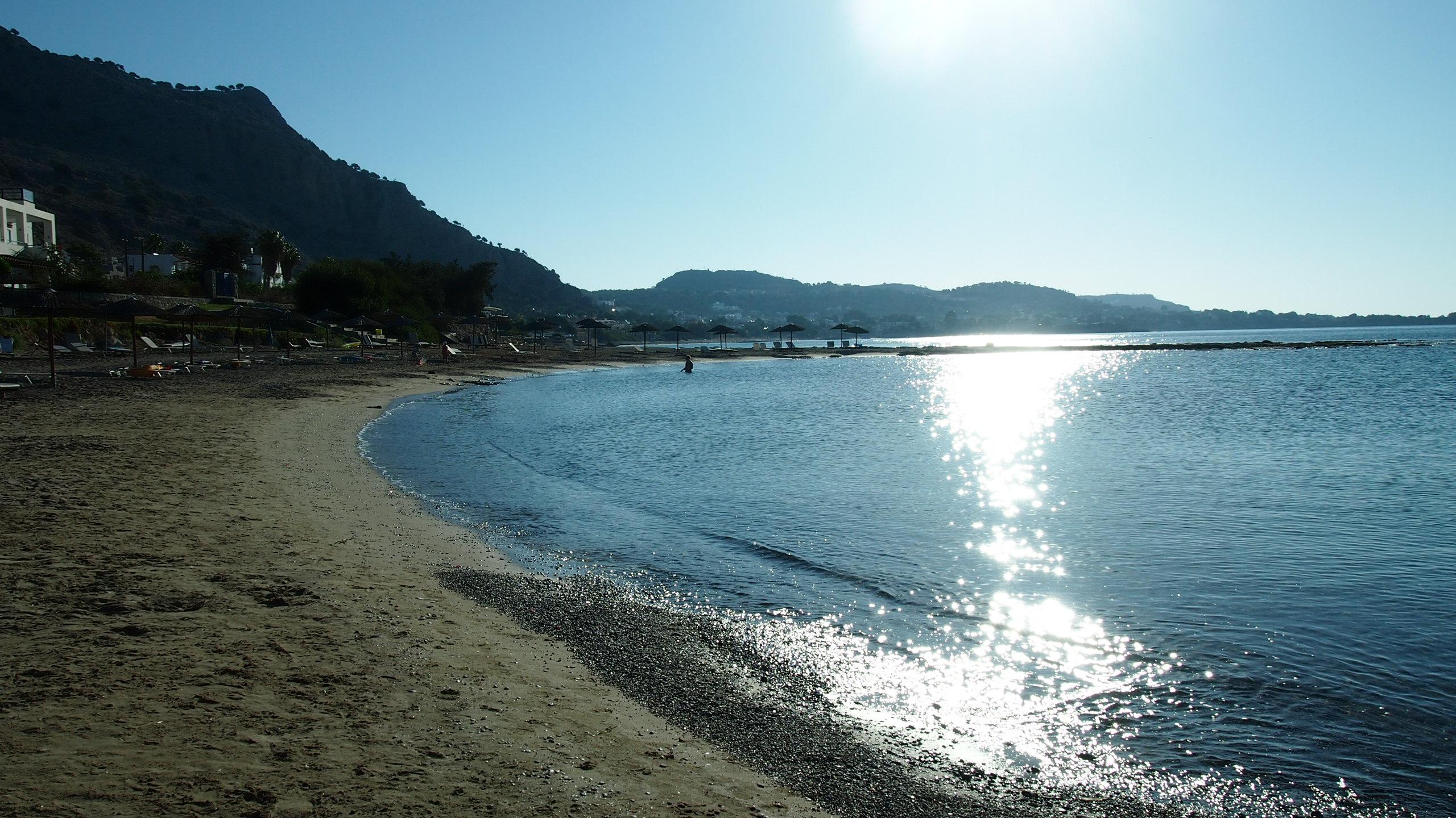 Пляж отеля Sunrise Hotel