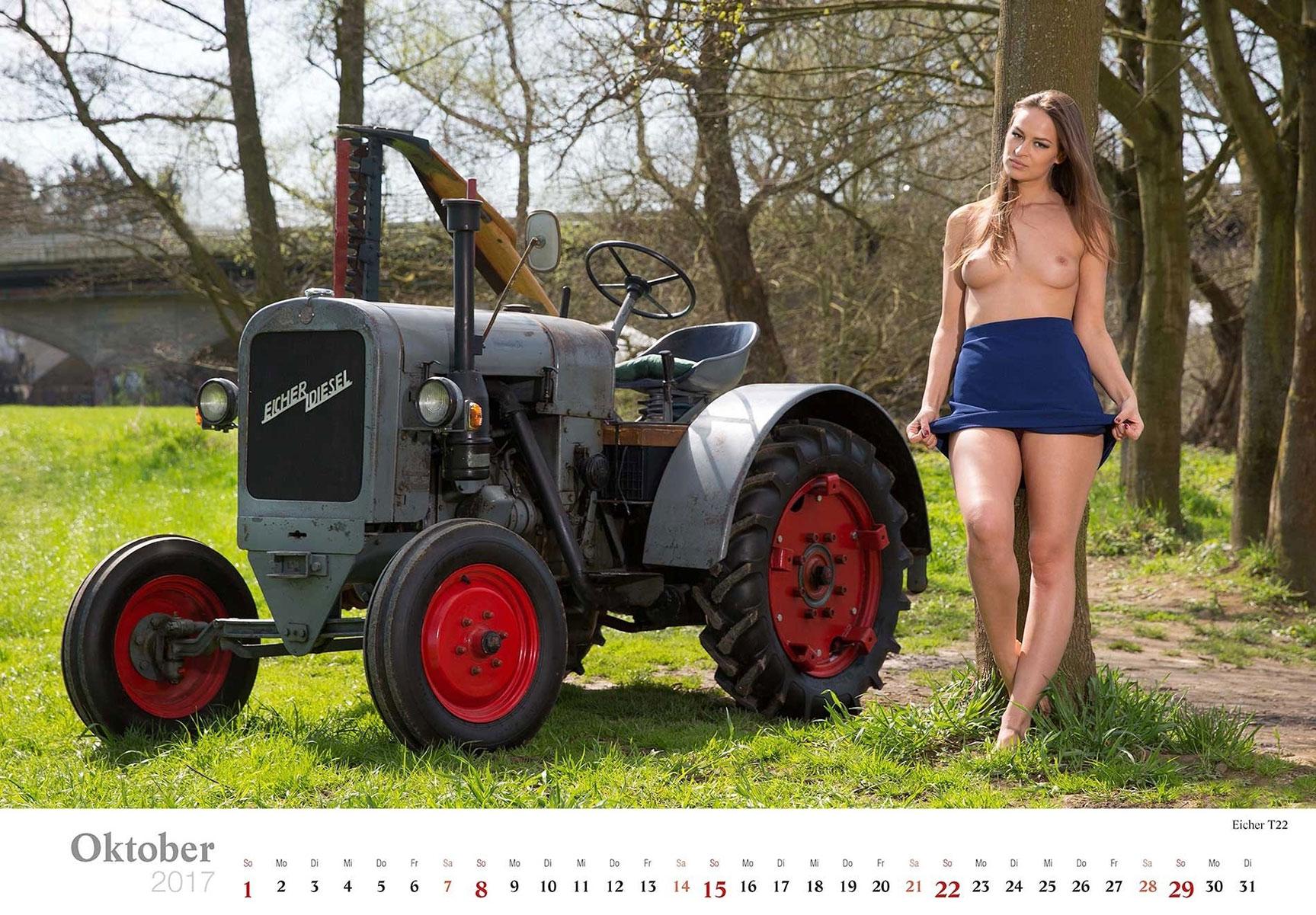Девушки и трактора в эротическом календаре 2017 / Eicher T22 - Jungbauerntraume calendar 2017