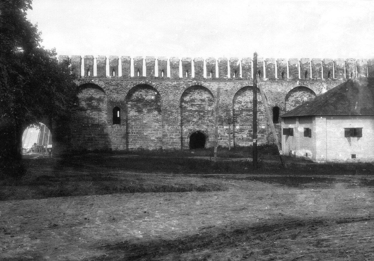 Крепостная стена между Лопатинским садом и Гуркиной башней. 1912