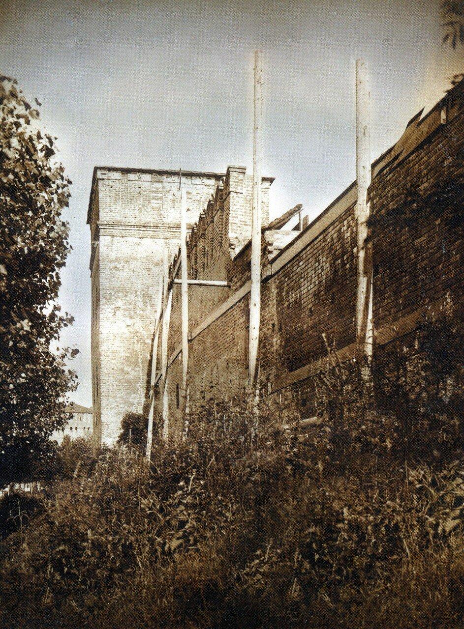 Укрепление крепостной стены около башни Донец. 1918
