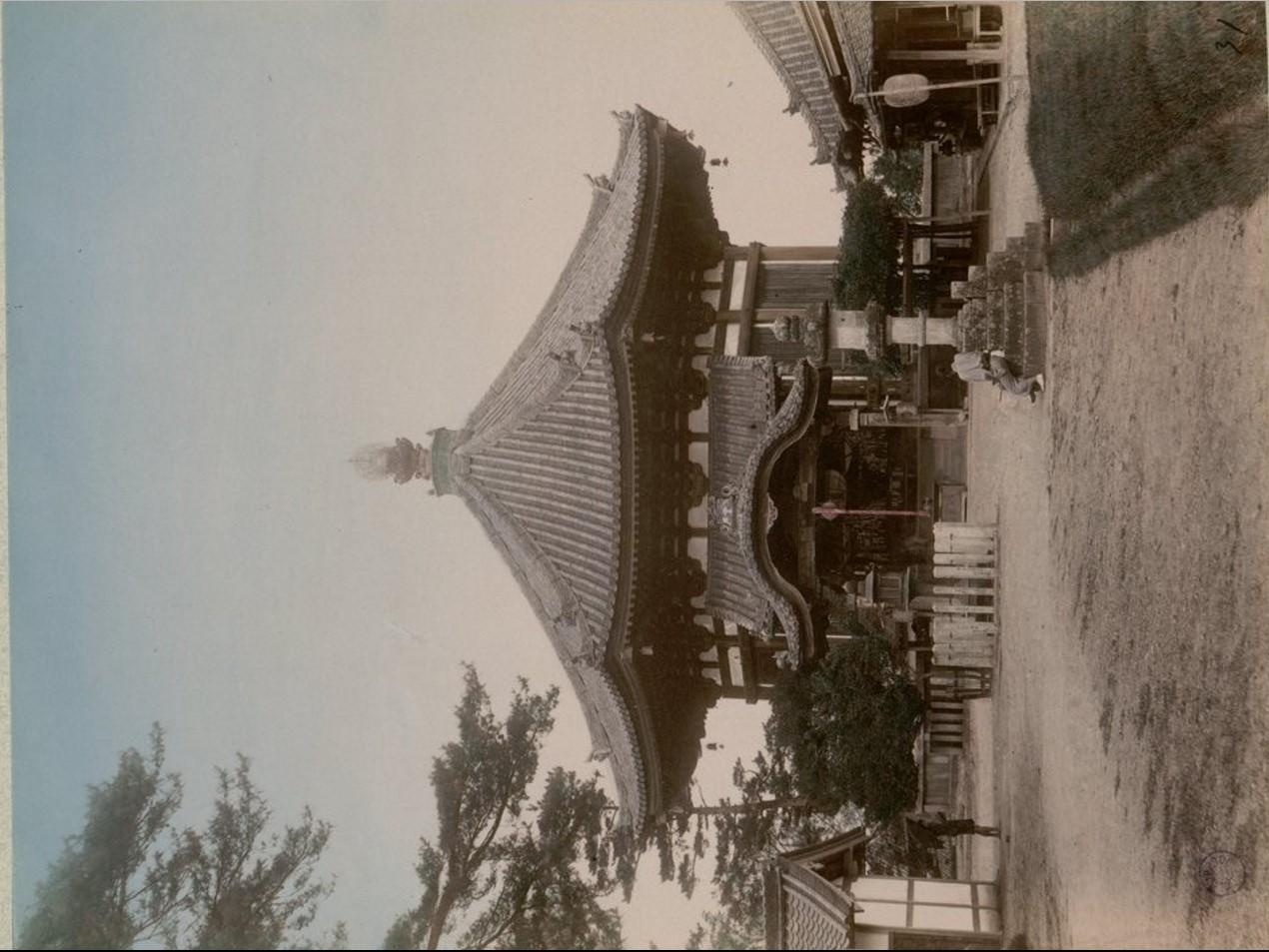 Нара. Храм Нанен-до