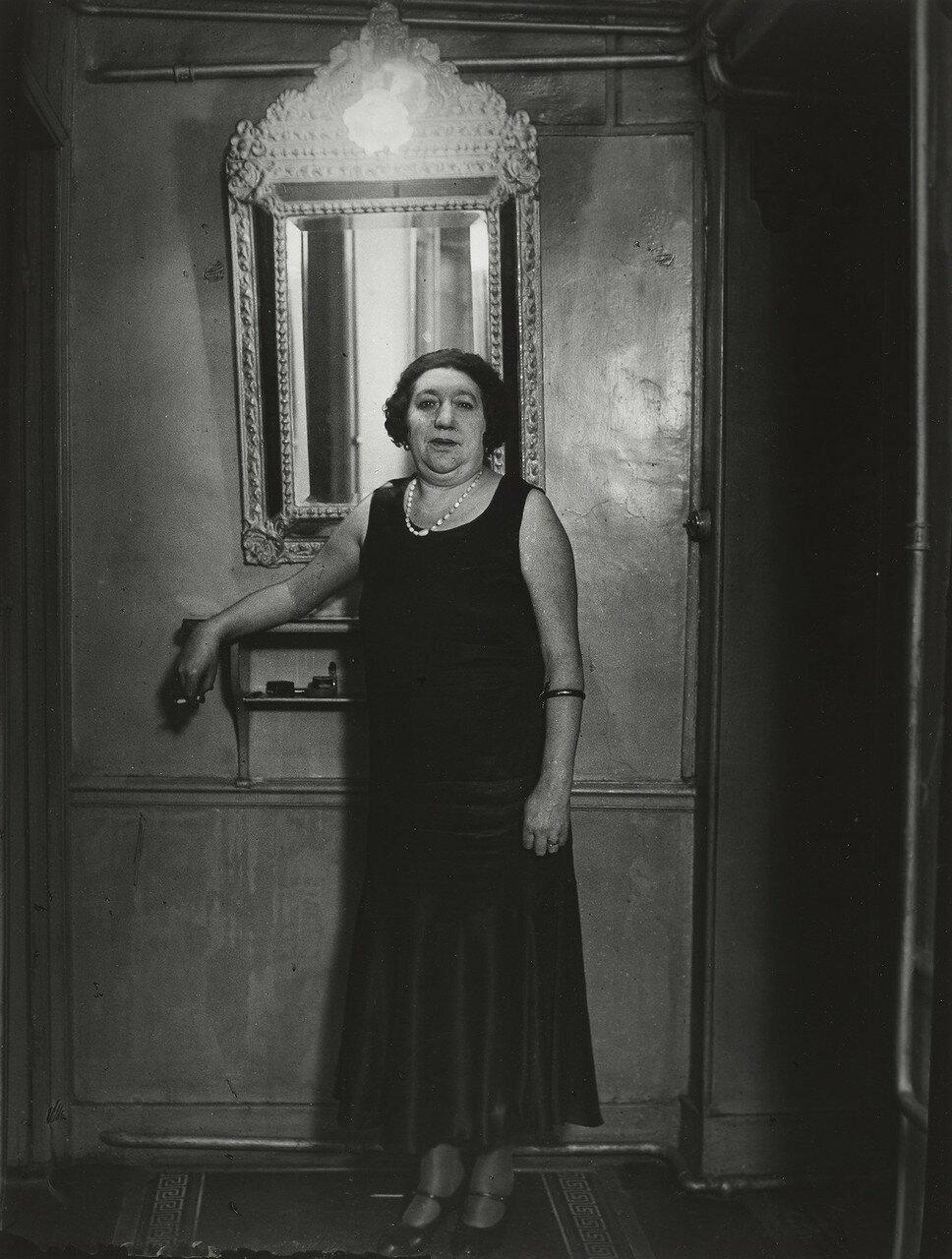 1932. Бордель Сюзи. Мадам