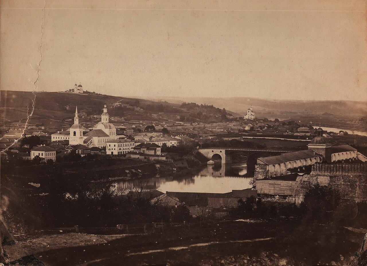 Вид с крепостной стены на северо-восточную часть города и Печерскую гору. 1863—1866 (первые снимки Смоленска)
