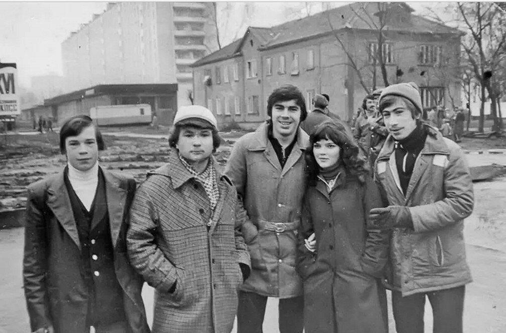 1981. Молодежь на улице Кирова