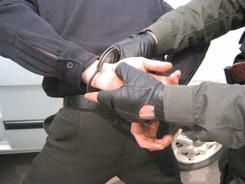 Наркоторговцы, которых прикрывали стражи порядка задержаны
