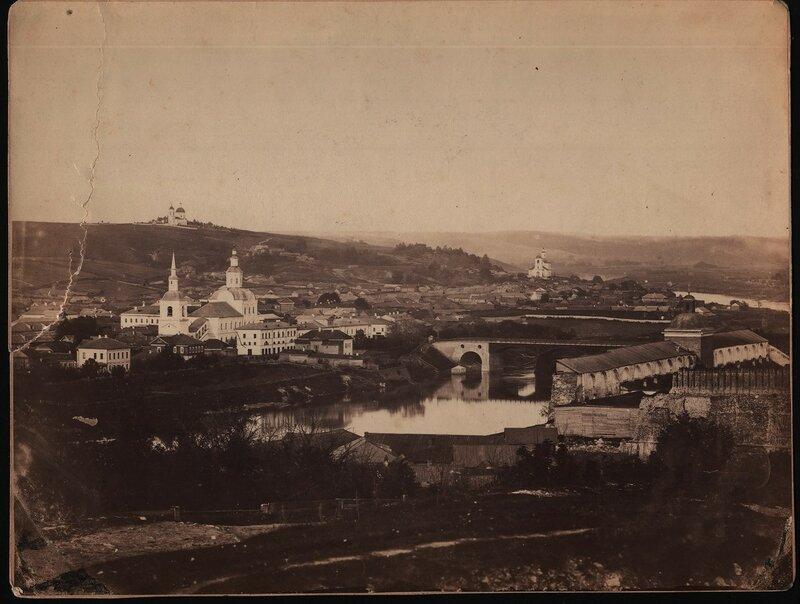 1862-67 Смоленск Вид с крепостной стены на северо-восточную часть города и Печерскую гору.jpg