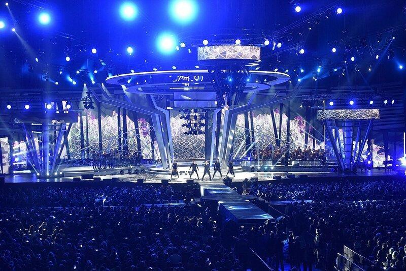 фото ск олимпийский внутри елка всех
