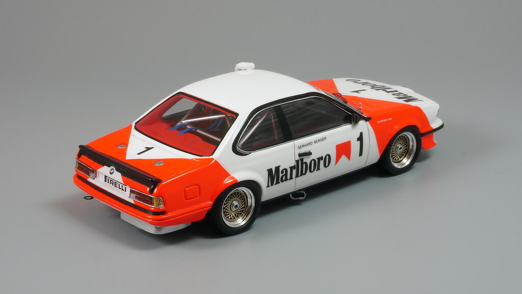 BMW_635CSi_Tobacco_05.jpg