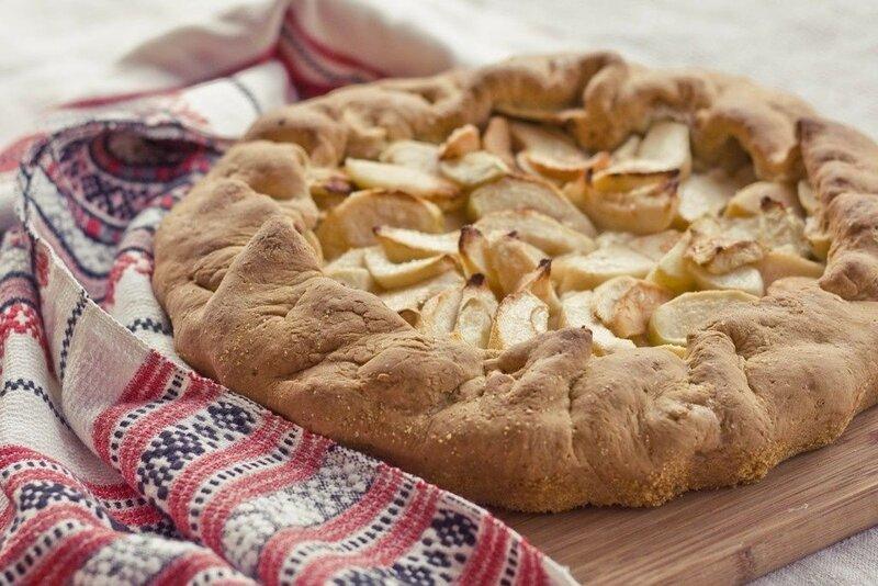 Быстрый пирог с яблоками или сливами