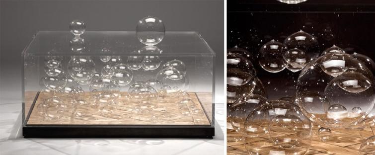 18. Стол с пузырьками