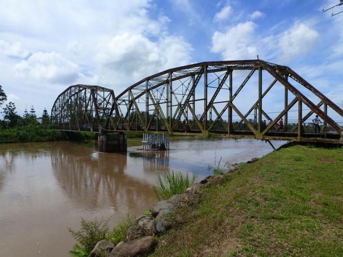 11. Коста-Рика и Панама Этот однополосный мост через реку Сиксаола является естественной границей ме