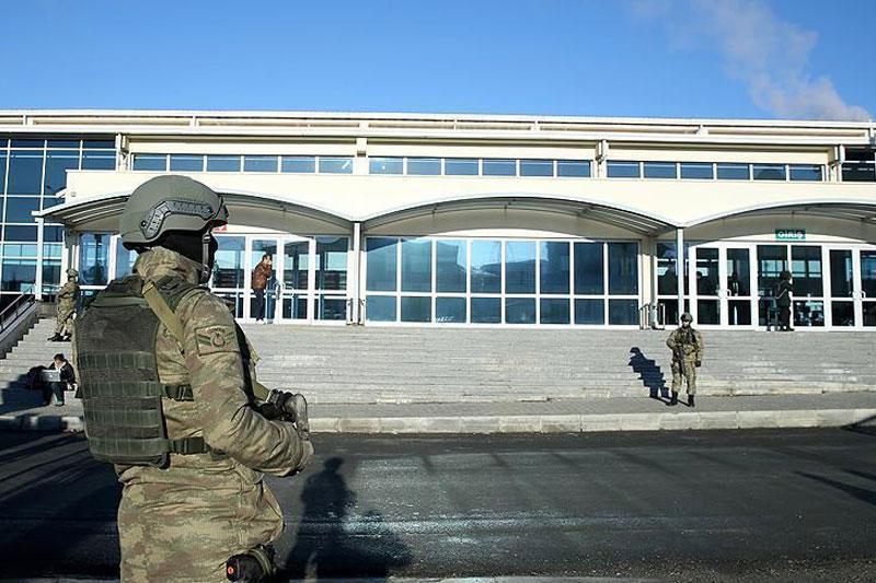 Суд над полицейскими, обвиняемыми впопытке военного перелома, стартует вСтамбуле