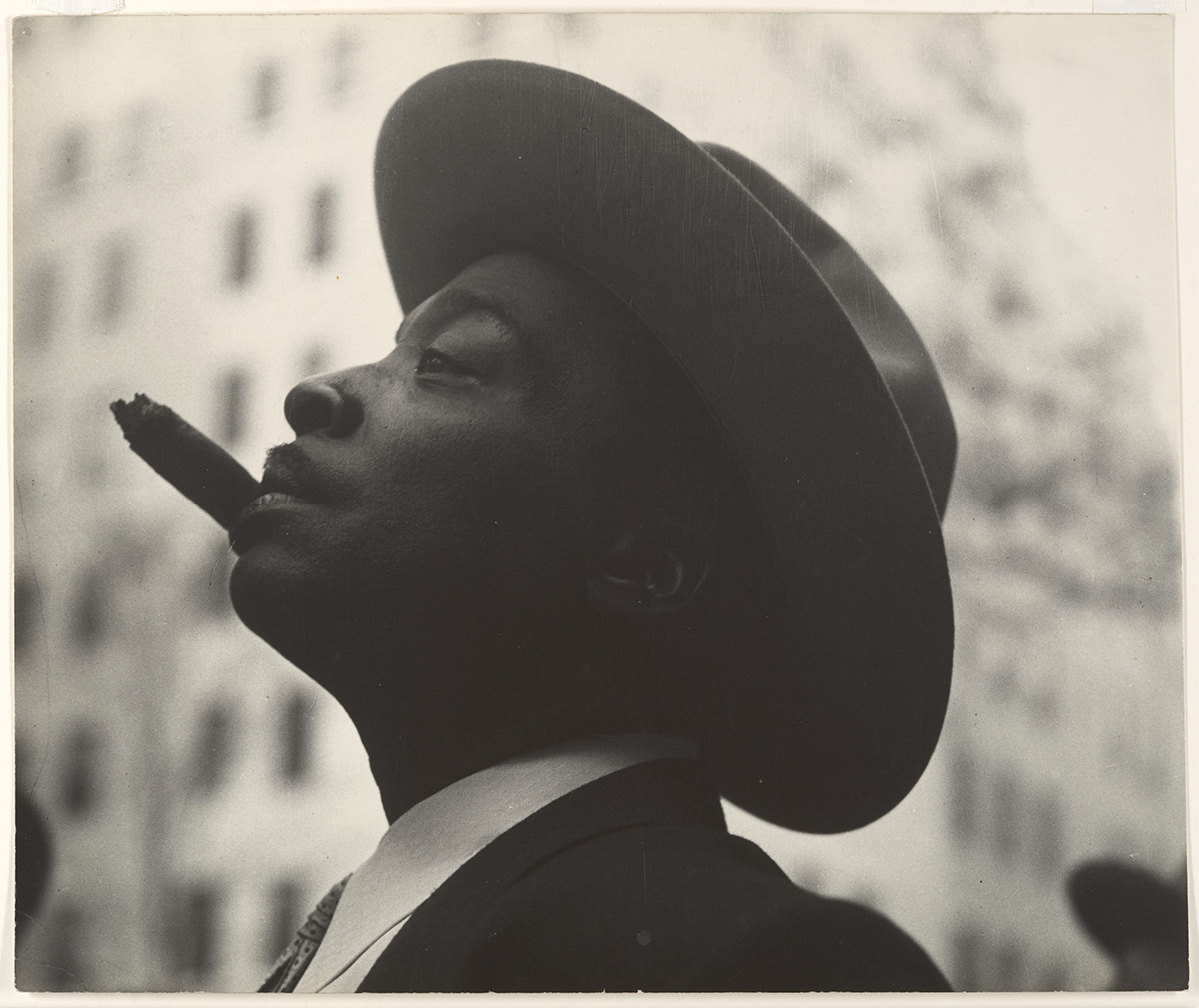 Head of Man with Hat and Cigar / Leon Levinstein / 1960