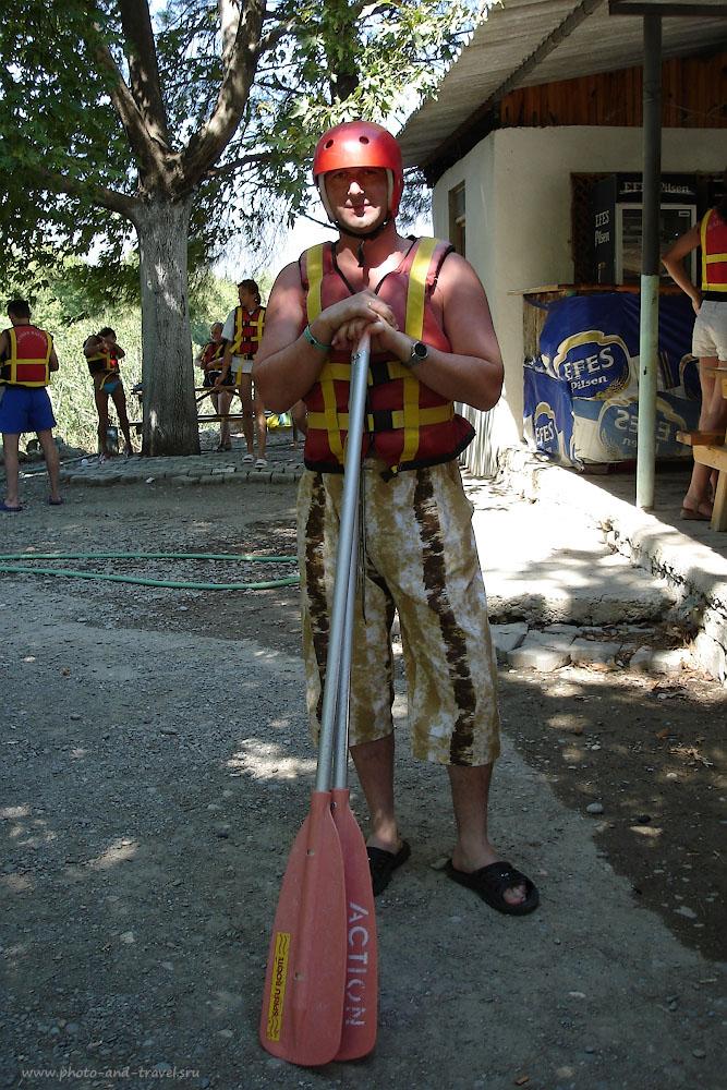 Фотография 9. Подготовка к рафтингу по реке Кёпрючай в Кемере. Отзывы туристов из России об отдыхе в Турции.