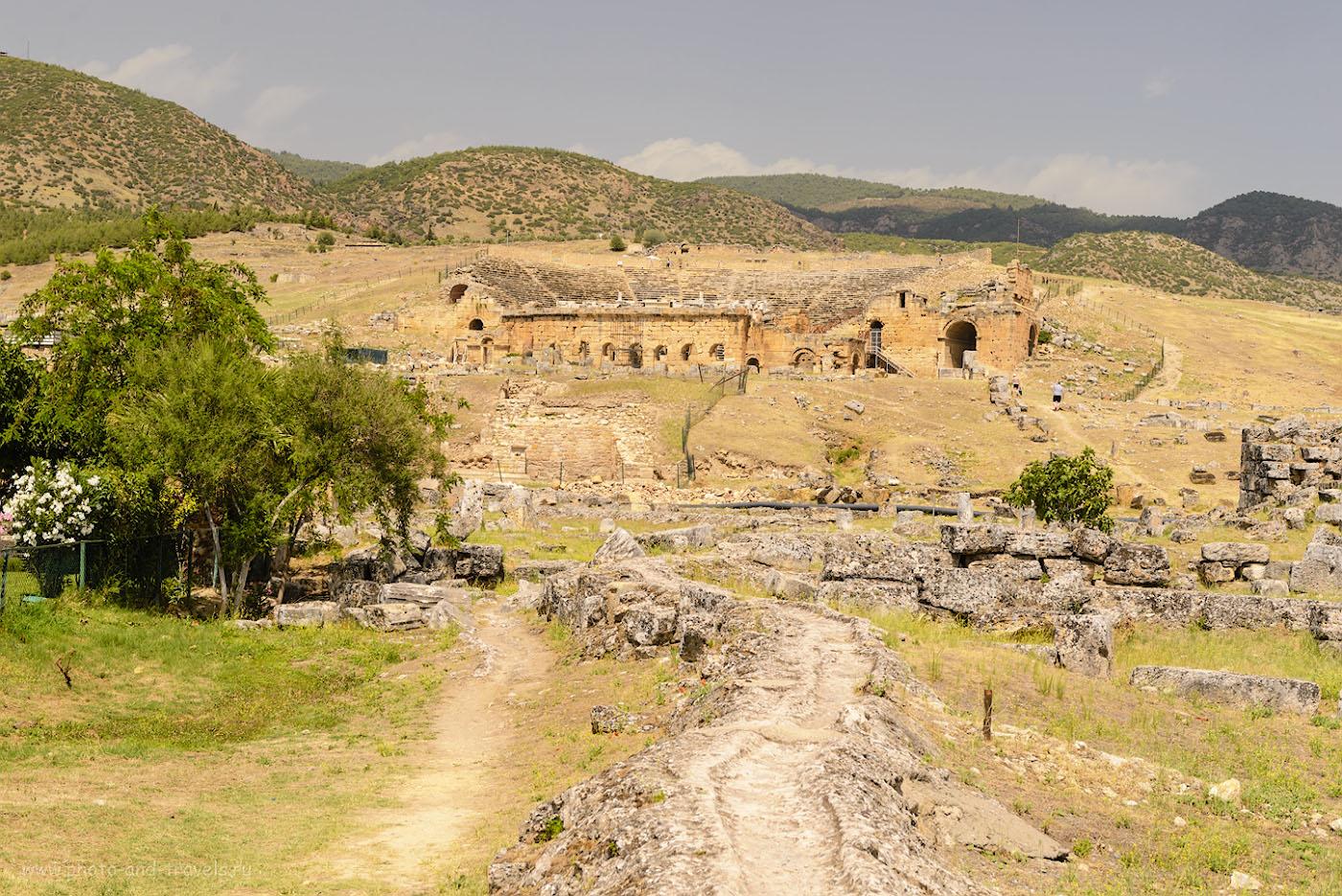 Фотография 15. Вид на амфитеатр в Иераполисе. Поездка в Памуккале.