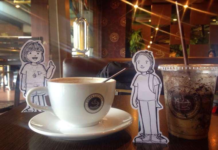 Doodle Deux - Un couple remplace les selfies par d'adorables doodles