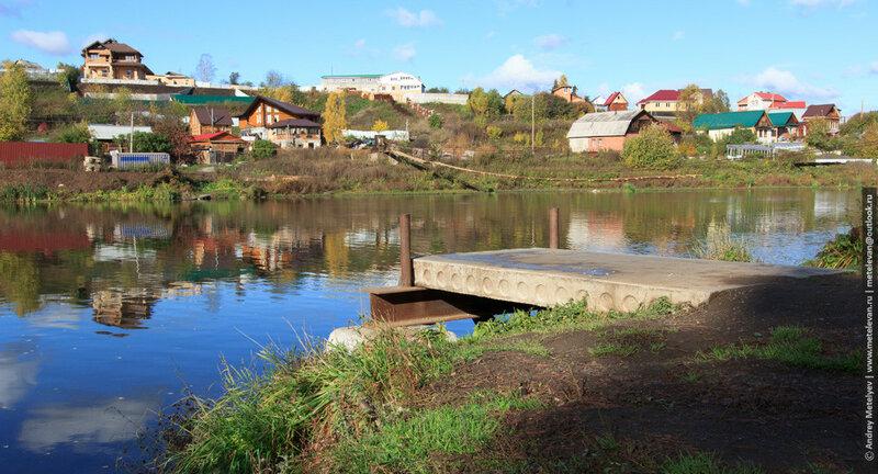Причал для кораблика на реке Исеть