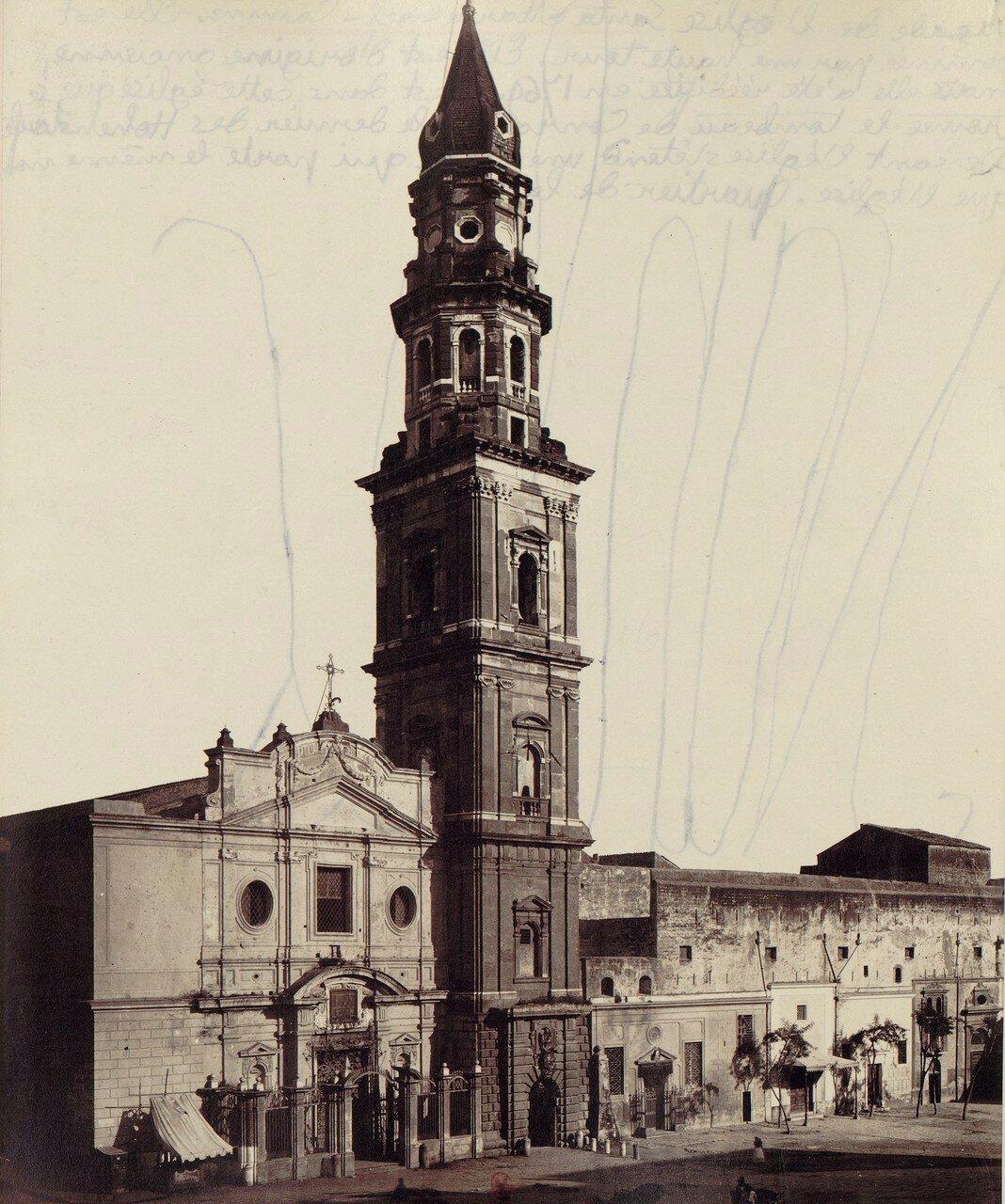 44. Церковь Санта Мария дель Кармине с 75-метровой колокольне