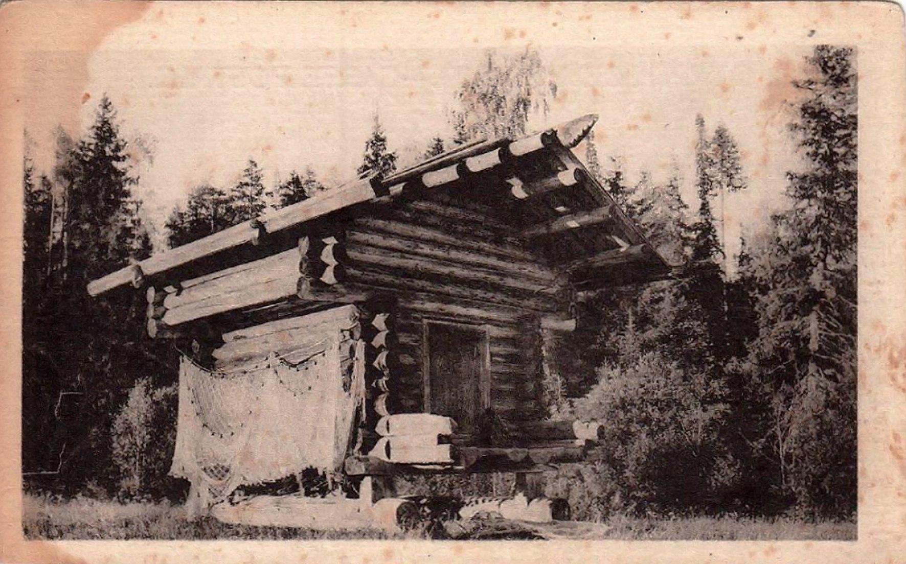 Окрестности Сольвычегодска. Амбар на берегу реки Уфтюга Сольвычегодского уезда