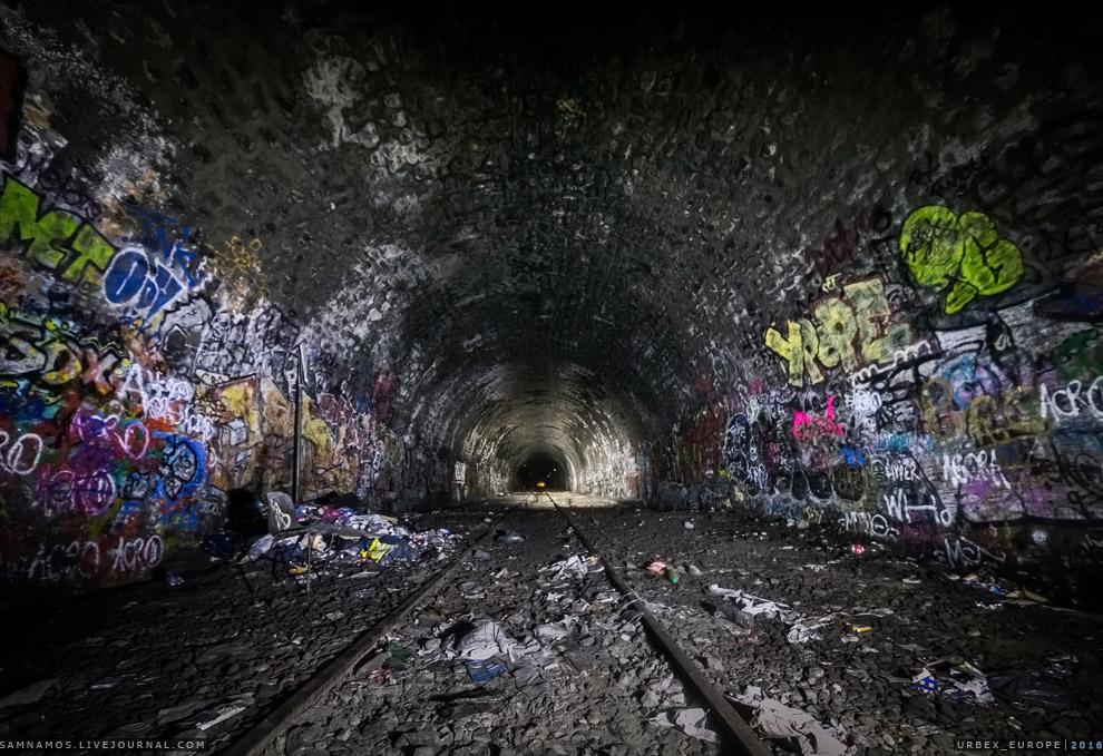 7. Поток людей достаточно высок. Пару раз мы еще встречали другие группы подземных путешественн