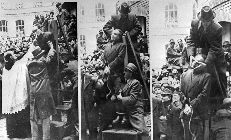 Офицеры идут кадрить девчонок, Москва, 1954 год.