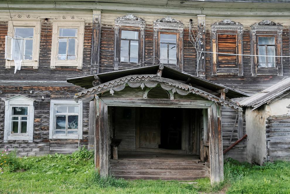 24. Очень интересные детали предыдущего дома. (Фото Maxim Shemetov | Reuters):