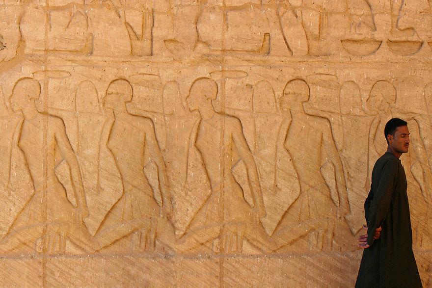 Фреска в Большом храме Абу-Симбела, Египет.