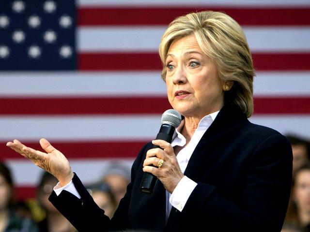 Руководитель ФБР пообещал восстановить проверку вотношении Клинтон