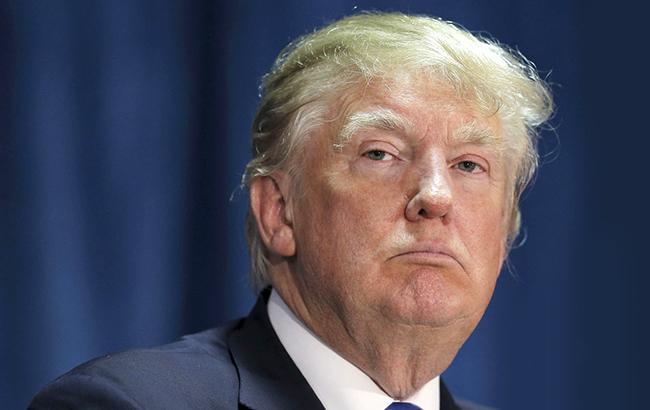 Опрос вСША: Трамп впервый раз считается неменее заслуживающим доверия, чем Клинтон
