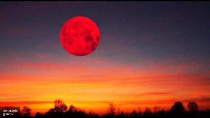 Приморцы увидели экстра-суперлуние, невзирая напрогнозы астрономов