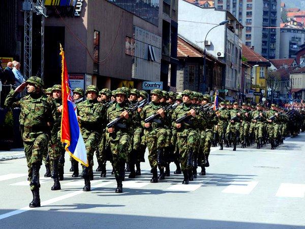 ВБелграде прошел 1-ый протест профсоюза военнослужащих Сербии