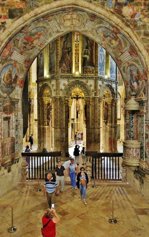 В замке Томар - церковь Шарола