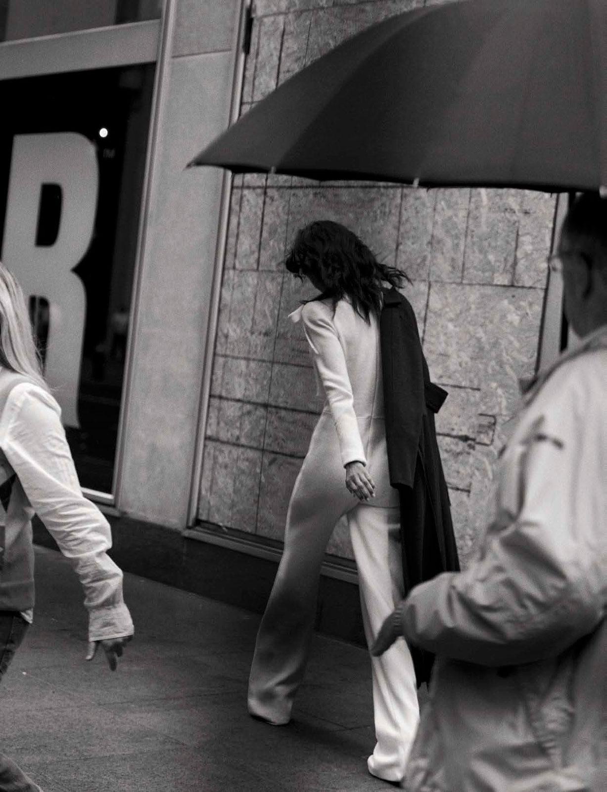 Liya Kebede - Walking by Peter Lindbergh - Vogue Italia october 2016