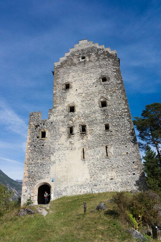 замок Кронбург (kloster Kronburg), Альпы, Тироль, Австрия