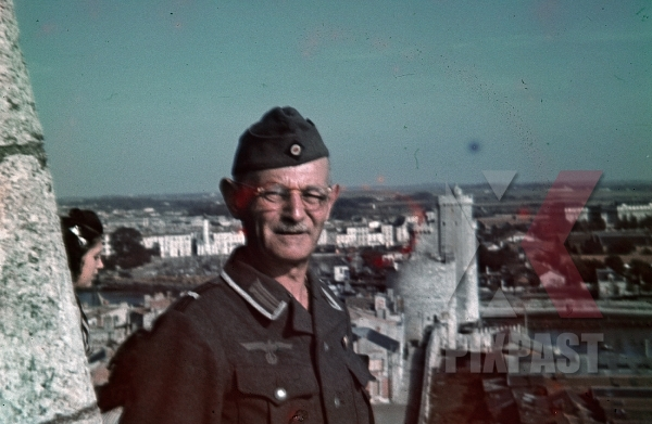 stock-photo-special-duties-german-soldier-castle-tower-of-the-latern-la-rochelle-france-summer-1940-7887.jpg