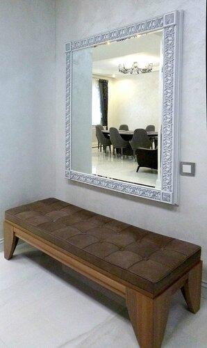 коридор, зеркало в багетной раме