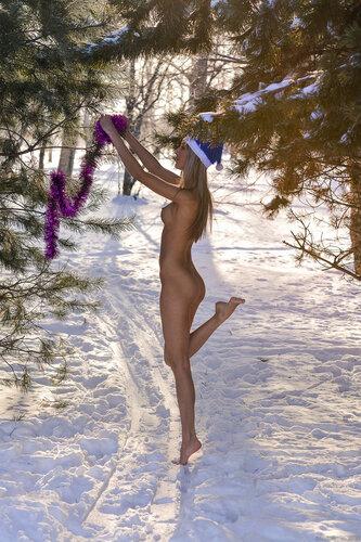 Снегурочки (эротический вариант). 18+