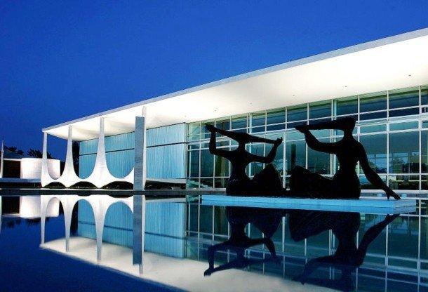 16. Дворец Алворадо, Бразилия Дворец Алворада, возведенный в период между 1957 и 1958 годами являетс