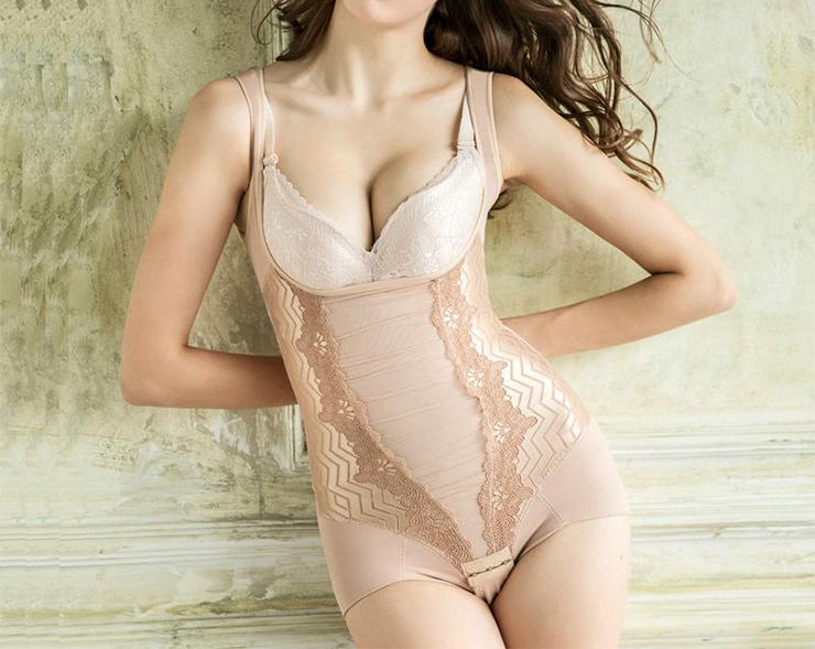 Конечно,если твое вечернее облегающее платье требует идеальных контуров тела,тоутягивающее бел