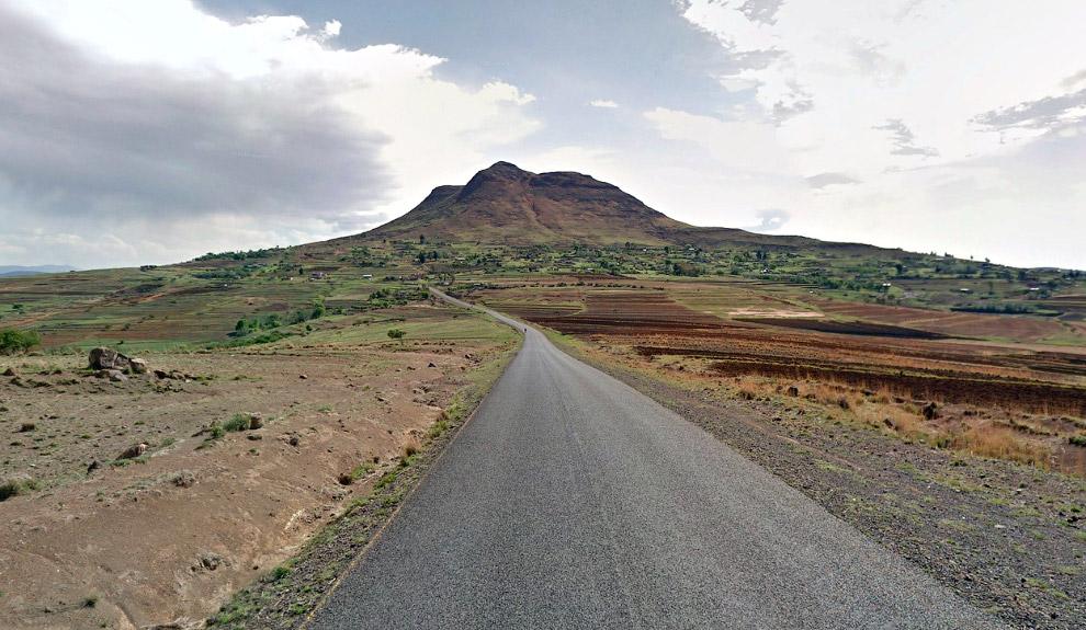 Драконовы горы — горная система, расположенная на территории ЮАР, Лесото и Свазиленда. Большая