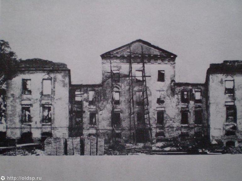 Но Ирина Бенуа проделала огромную работу и по анализу исторических архивов восстановила его в изнача
