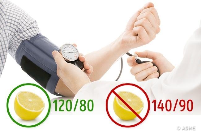 © depositphotos  © depositphotos  Многие люди страдают гипертонией. Лимон поможет ивэт