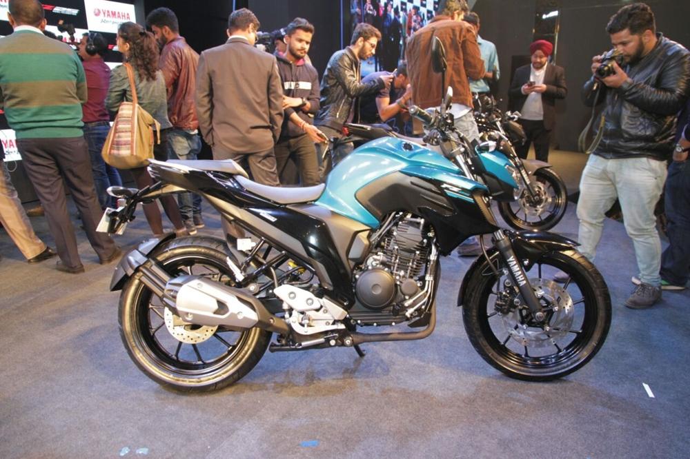 Новый мотоцикл Yamaha FZ25 2017