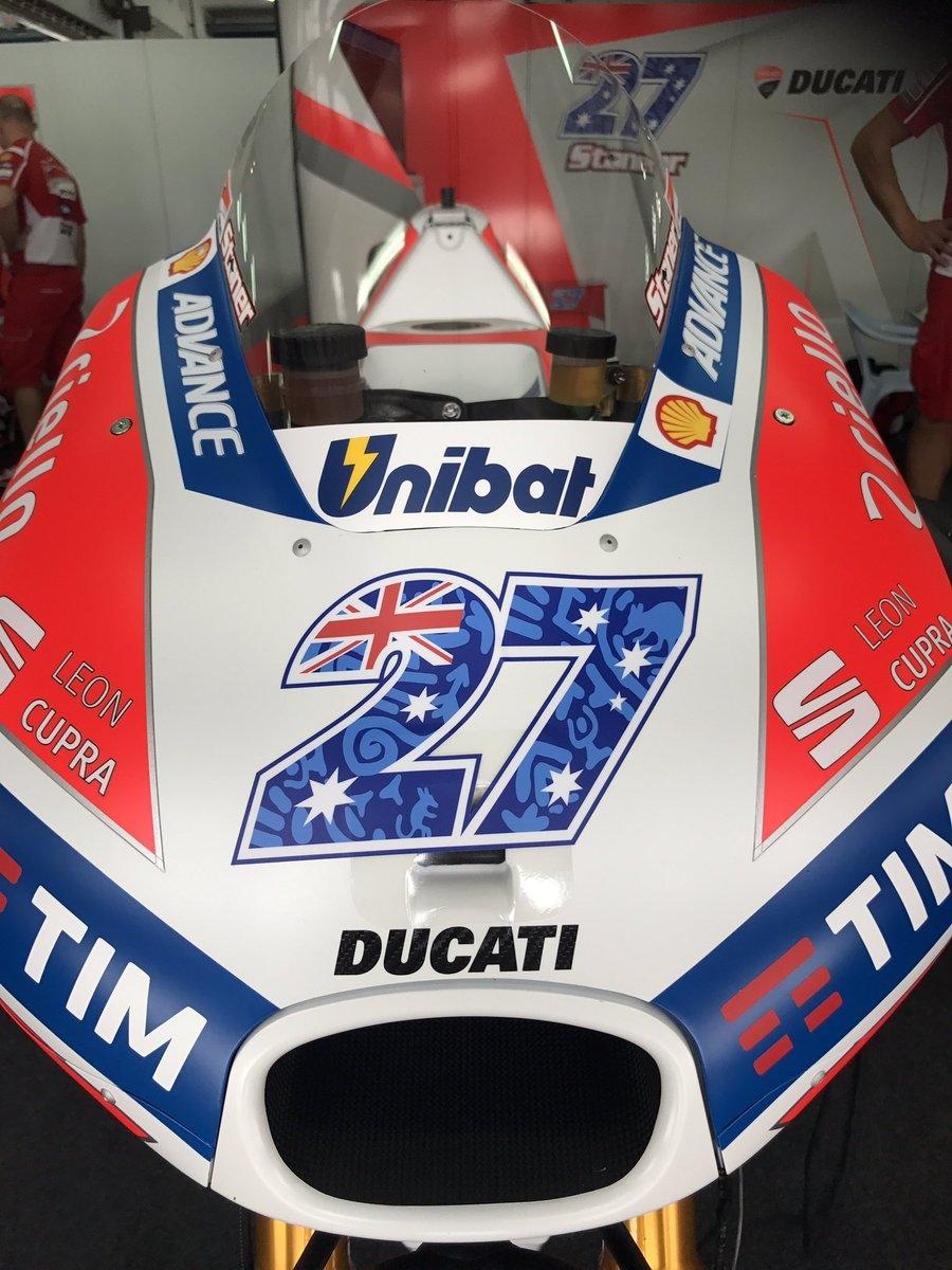 Старт частных тестов MotoGP 2017 в Сепанге. Странная коробка на прототипах Ducati