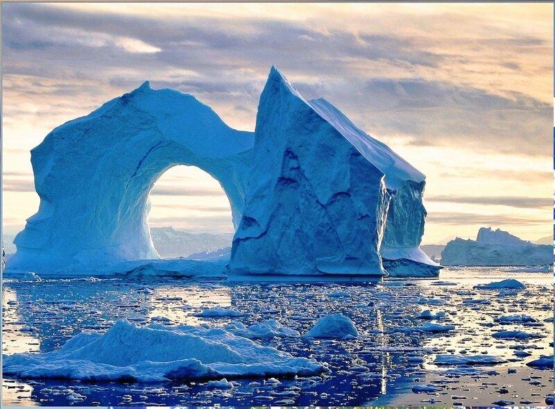 Айсберги у берегов Гренландии.jpg