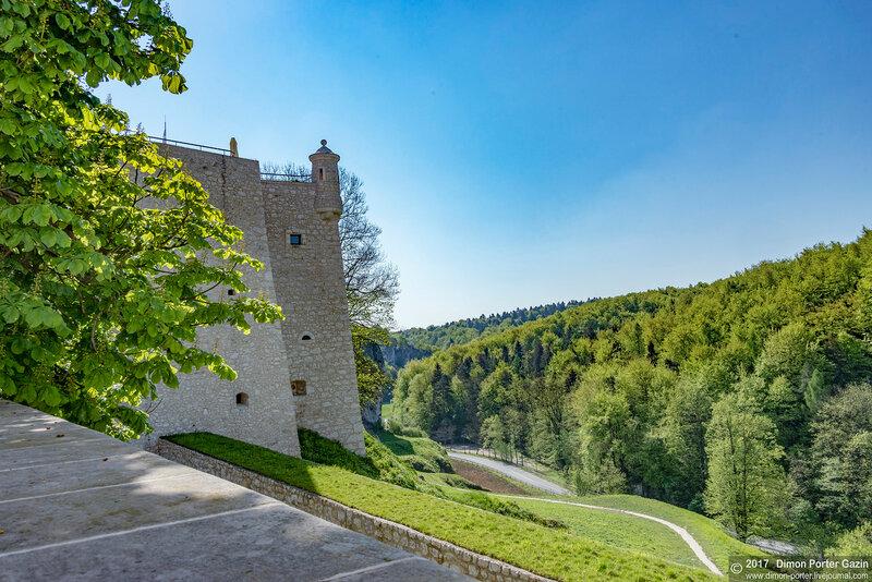 Замок Пескова Скала