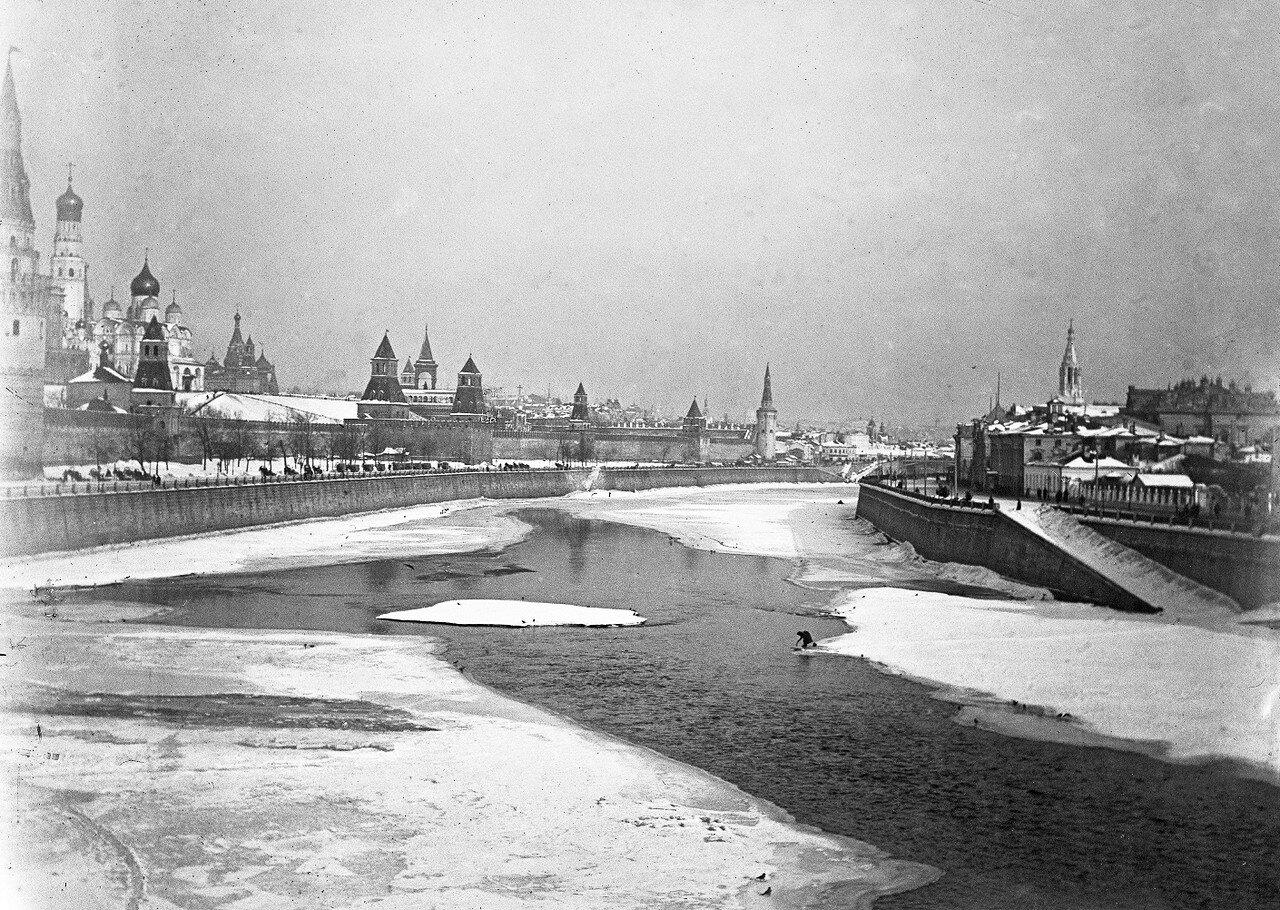 Вид со старого Большого Каменного моста