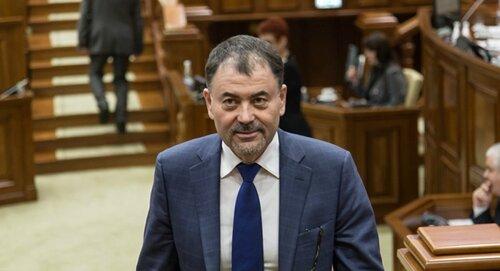 Украина осудила решение Додона о снятии министра обороны Шалару