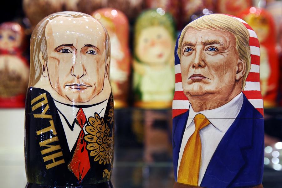 Путин и Трамп, матрешки.png